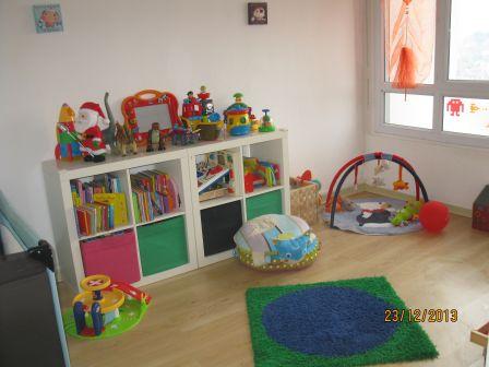 le troll farceur charlotte gueltas assistante maternelle. Black Bedroom Furniture Sets. Home Design Ideas